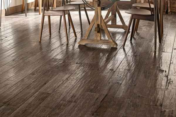 Laminate flooring 12mm by indiana myfloor brand with EIR finish & Handscrape